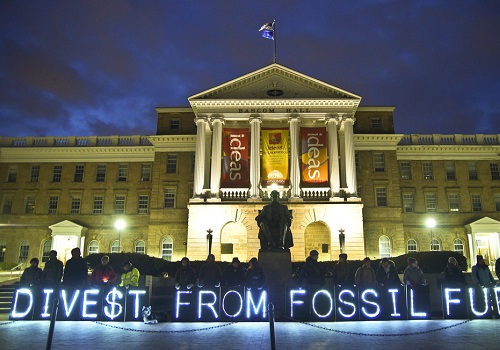 Divestment from Fossil Fuels: Wave of the Future? One expert weighs in