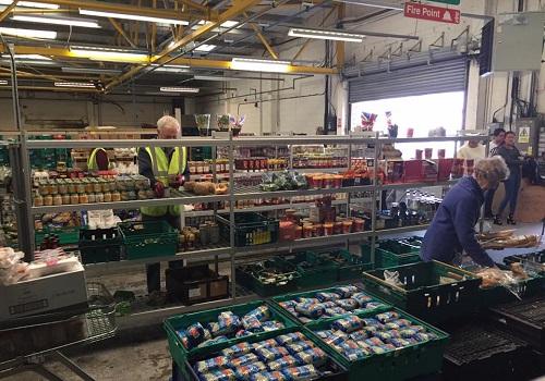 UK's First Food Waste Supermarket Tackles Growing Problem
